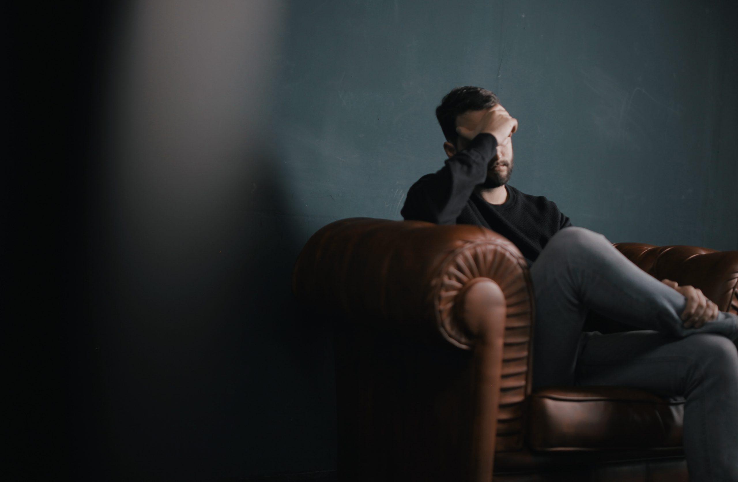 Normal sau anormal – de ce e dificil să recunoaștem o problemă de sănătate mintală?